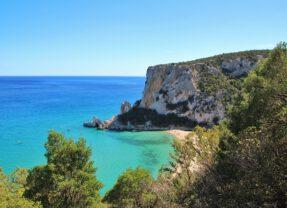 Dojeďte karavanem až na Sardinii